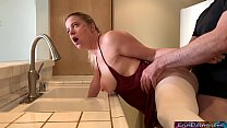 Stepmom stuck in the sink gets stepson's dick in her while trying to get free - Erin Electra صورة