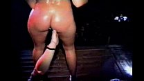 Puta bailando en discotheque porn image