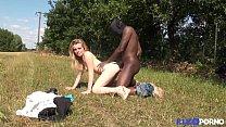 sindy voulait une grosse bite noire, elle goute son sperme [full video]: sunny leone green saree nude thumbnail