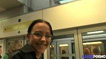 Camille, étudiante salope veut essayer les clubs libertins