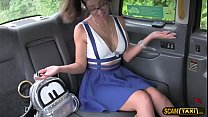 Julia have sex with a taxi drvier in POV and gets creampie