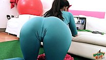 AMAZING BODY Latina Babe Working Out In Tight Spandex Perfect ASS and Deep CAMEL