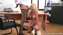 Face fuck in the office - Tiffany Rousso