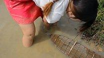 Lady Fishing - Belle Fille Pêche - Khmer Net Fishing