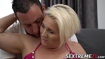 Blonde granny Bibi enjoys a sensual fucking ses...