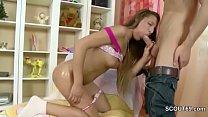 Petite Sis Seduce to Her First Fuck by Big Dick Step-Bro Vorschaubild