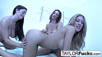 Hot 3-way lesbian fun on a bed