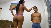 Elizabeth Baldochi 6foot2inch tall brazil gaint women thumbnail