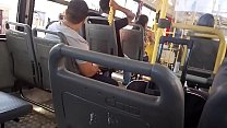 Punheta o pauzão no ônibus