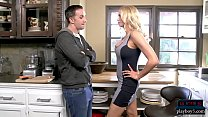 Stepmom MILF Briana Banks oral sex and kitchen fuck