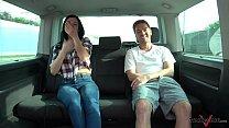 Ryan Ryder convince young innocet sweet Jasmine Jae to fuck in driving van Vorschaubild
