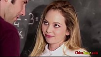 mi profesor me da clases privadas pero ana se porta mal y el la castiga dandole muy duro por su pano