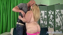 Screenshot Hot Blonde Plum per Sasha Juggs Uses Her Huge   Uses Her Huge Ti