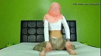 Sexy arab ass on cam - sign up to Nudecamroulette.com and chat with her Vorschaubild