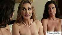 Skanky hot ladies Tanya with Kobe and Trinity shares 2 ended dildo