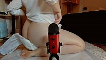 A strange video of pee and Asmr with a big diaper on you are you ready to enjoy it all? صورة