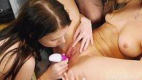 Beauty-Angels.com - Ellie & Kecy Hill & Renata Fox - Pink vibrator for three pussies صورة