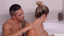 Horny stunner Eva Parcker sucks big balls & blows hard veiny shaft in tub - 69VClub.Com
