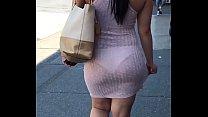 Culito rico con vestido transparente marcando calzon thumbnail
