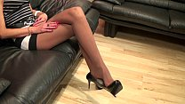 Mrs Anique highheels dangling