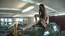 Sexy Susi in der Garage gefickt - HD thumbnail