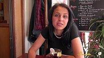 Angie jolie Kabyle de 20 ans attend juste de se faire baiser