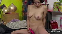 All Natural Amateur Toying Her Untrimmed Bush