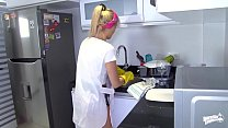 OPERACION LIMPIEZA - Colombian cleaning lady Karla Rivera gets banged at work Vorschaubild