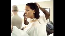Rihanna se desnuda completamente para subir su carrera artística