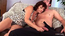 Mature Prostitute Satisfies his Cock and Takes the Jizz on her Face Vorschaubild