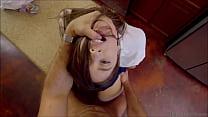 Follada en falda a preciosa jovencita colegiala  (descarga el video completo aqui http://mitly.us/sM9mj)