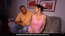 HOUSEWIFE FUCK - German housewife in her forties gets a strange cock