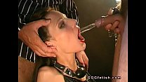 Brunette receiving gargless in own mouth