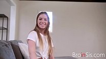 Lonely SISTER fucks BROTHER at horny times- Summer brooks Vorschaubild