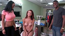 BANGBROS - Big Booty Pornstar Arianna Knight Shows Raven The Ropes