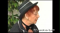 Mature lady from the Variete blows and is fingered