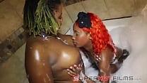 Ebony Lesbian FUN in the Tub / Poizon Ivy / Cassidy Cash
