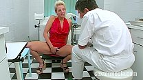 Dr. Dirty fucking two blondes Vorschaubild