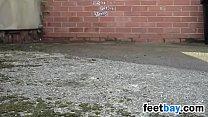 Walking Outdoors In Sexy High Heels Vorschaubild