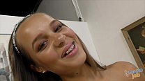 Image: Cute teen Liza Rowe got facial