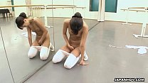 Ballerina needs to warm up so she rubs her cunt video