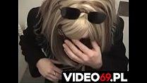 Polskie porno - Zapłakana nastolatka robi mi loda na stacji benzynowej