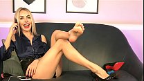 Cams4free.net - Barefoot Blonde Secretary Shoeplay