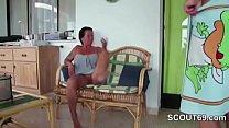 Mom Seduce German Step-son to Fuck her after Shower Vorschaubild