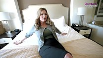 Sharing a Bed with My Busty Step Mom While on Vacation - Coco Vandi صورة