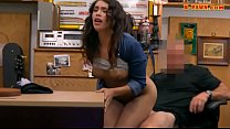 Pretty amateur woman nailed by pawn dude at the pawnshop