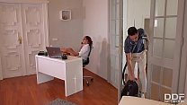 Rose Valerie's Anal Office Cleaning With Kai Taylor's Long Pipe's Thumb