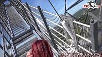Erwischt vom Passant beim Outdoor Sex mit deutscher rothaariger amateur teen Schlampe Vorschaubild