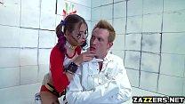 Harley Quinn rides Bill Baileys big cock on top Vorschaubild