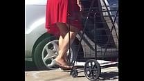 Madura en vestido rojo